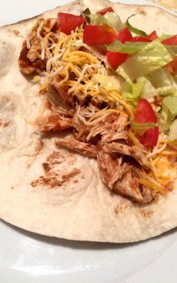 These crockpot chicken fajitas take 7 minutes to prep! Super easy and delicious!