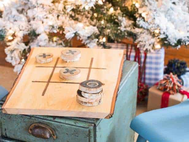 17 DIY handmade Gifts You'd actually want: handmade tic tac toe game