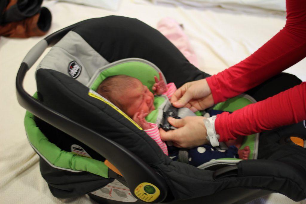 bringing baby home what type of newborn carseat